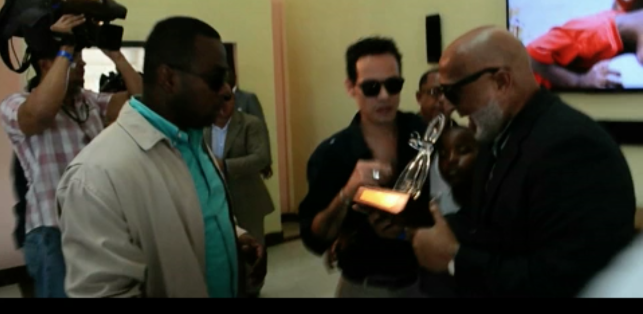 ENTREGA DE PREMIO A MARC ANTHONY